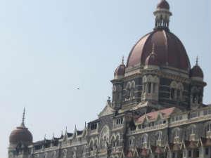 Taj hotel attacked in Mumbai terror