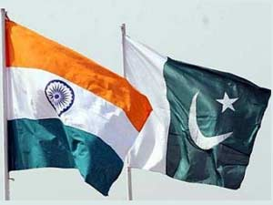 Indoa and Pakistan flags