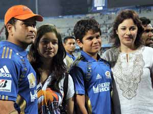 Sachin  Tendulkar with family