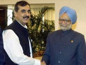 Manmohan Singh shaking hands with his Pakistan counterpart Yousuf Raza Gilani