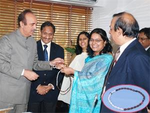 Ghulam Nabi Azad formally launching 'Cyclebeads'
