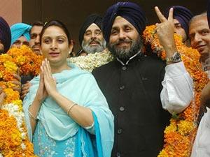 Sukhbir Singh Badal and wife