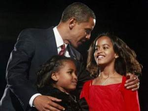US President Barrack Obama with Malia Obama and Sasha Obama