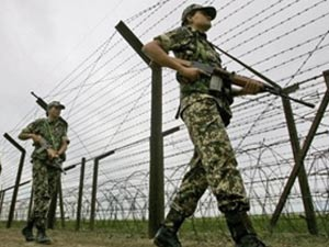 Indian soldiers manning LoC