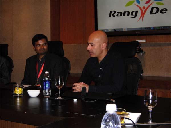 Robin Sharma with CEO, Rang De