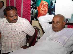 Deve Gowda with son Kumaraswamy