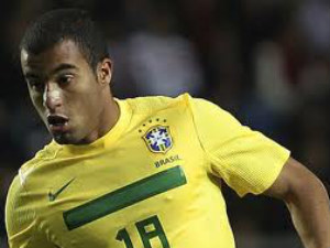 EPL: Manchester United £30m Lucas Moura bid rejected