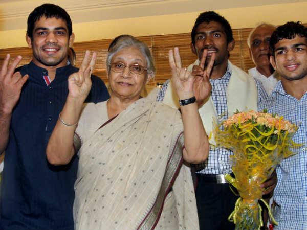 Sushil Kumar (left)