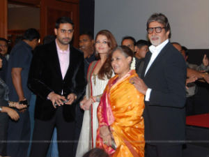 293aebe499 Amitabh Bachchan with family