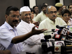 Anna Hazare with Kejriwal and Bhushan
