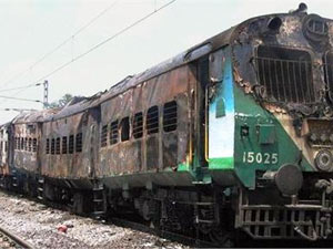 Tamil Nadu Exp catches fire; 25 dead