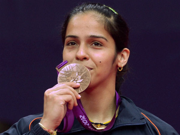 Saina Nehwal kisses her bronze medal