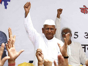 Cheating case filed against Anna Hazare