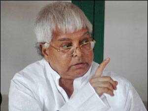 Lalu accuses Sushma of taking bribes