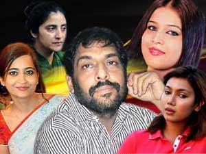 Gopal Kanda with Geetika, Nupur, Ankita and Aruna