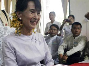 Suu Kyi inspired by Gandhi's writings