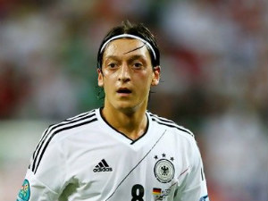 Mesut Ozil happy at Real Madrid