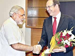 British High Commr meets Narendra Modi