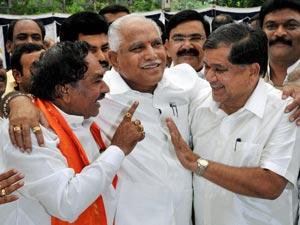 Yeddyurappa with Shettar and Eshwarappa
