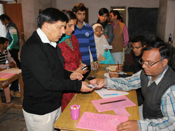 Himachal poll: 27% vote till 11 am
