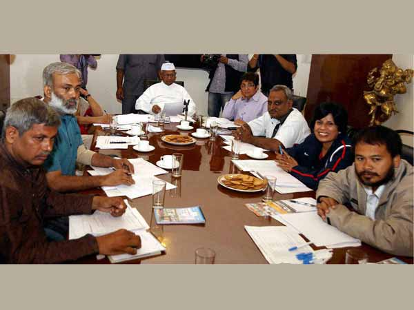 Hazare's anti-graft group meet today