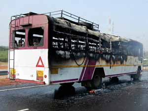 bus-fire-pune