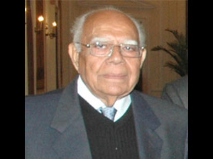 'Spit on Jethmalani's face, get Rs 5 lc'