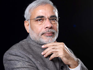 Narendra Modi goes 3D to woo Gujaratis