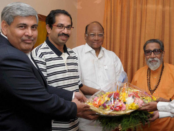 Pawar, Uddhav with Bal Thackeray