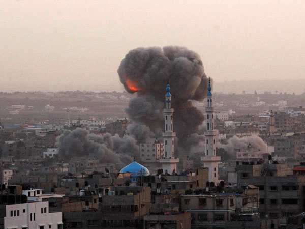 Explosion caused by Israeli attack on the outskirts of Gaza City