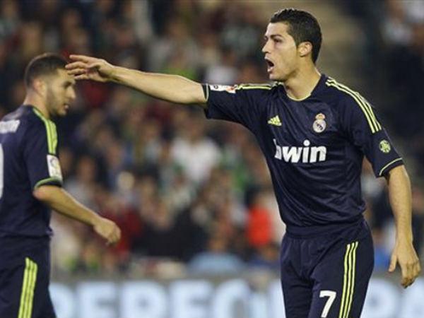 PSG want Ronaldo for record £100m