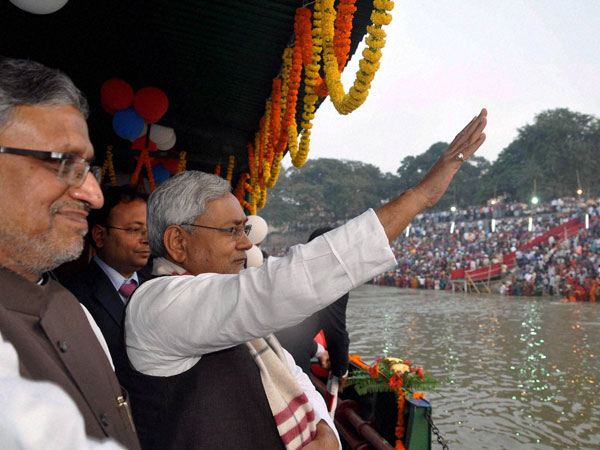 Nitish with Modi during Chhath Puja