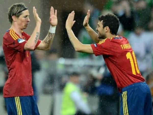 Spain unleash 'tika-taka' at Euro 2012
