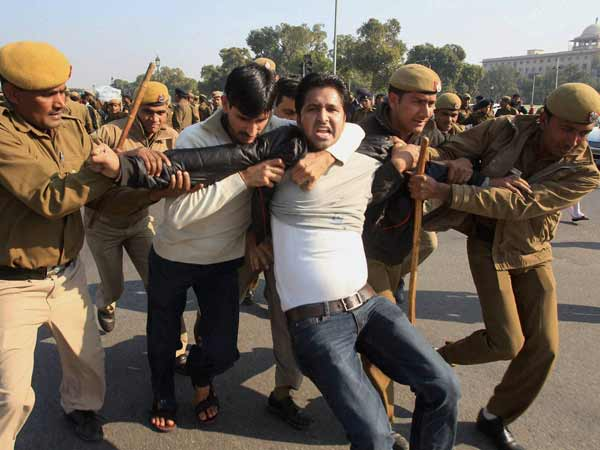 Delhi Gangrape: Student detained during protest