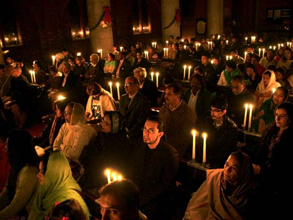 Christmas prayer in a church in Pakistan