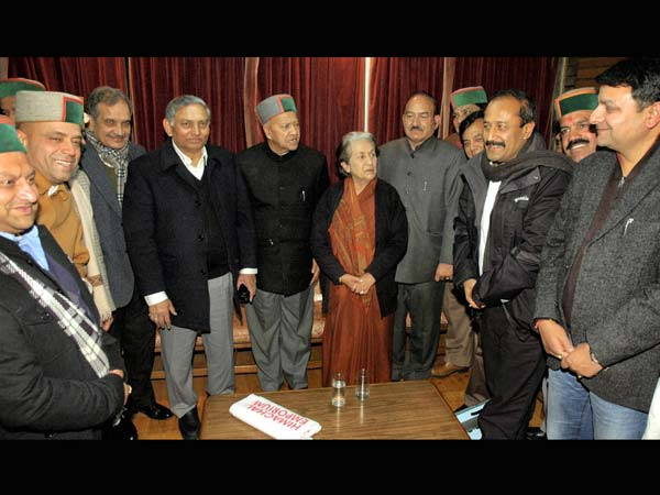 Virbhadra Singh becomes CM for 6th time