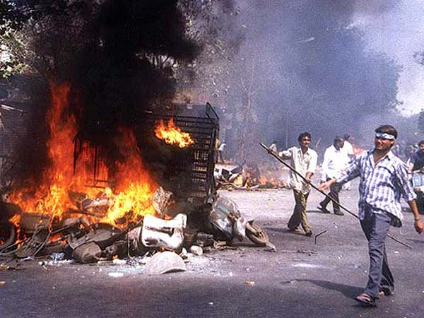 Eighteen get life term for 2002 Gujarat village massacre