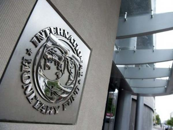 India pledges $10 bn to IMF for eurozone