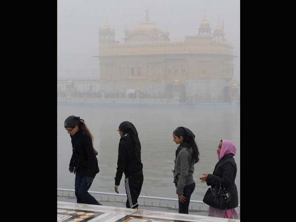 Visitors at Golden Temple