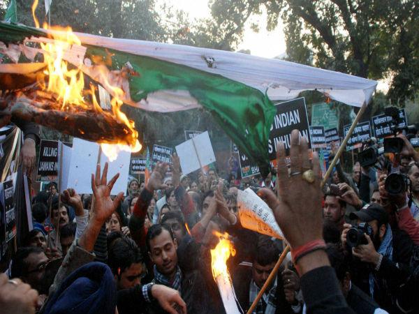 protest-against-pak