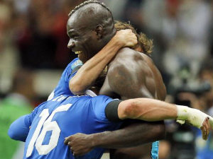 Milan want cut-price deal for Balotelli