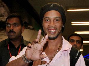 Scolari names Ronaldinho in Brazil squad