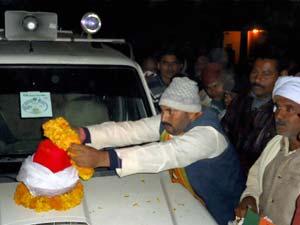 Delhi victim's ashes