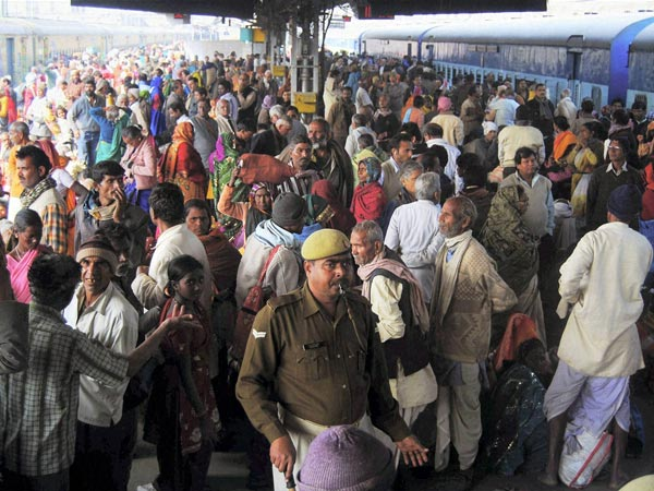 Large number of devotees waiting for their trains