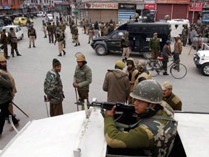 Curfew re-imposed in Kashmir