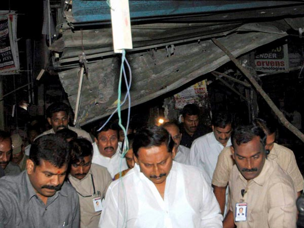 CM visits blasts sites in Hyderabad