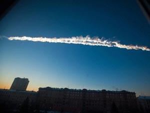 meteorite-contrail