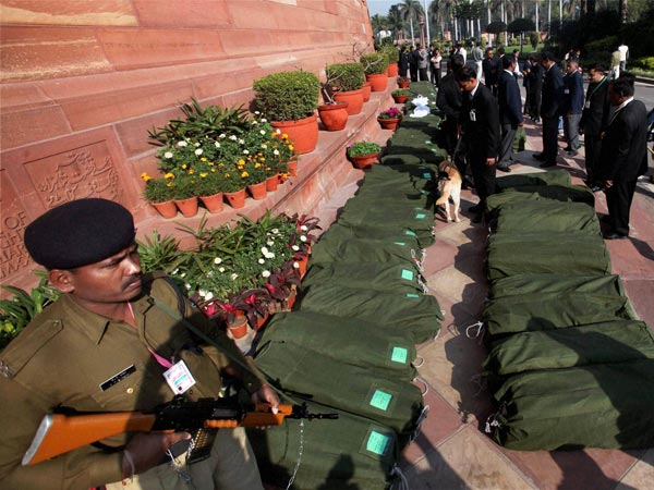 Budget 2013: Security outside Parliament