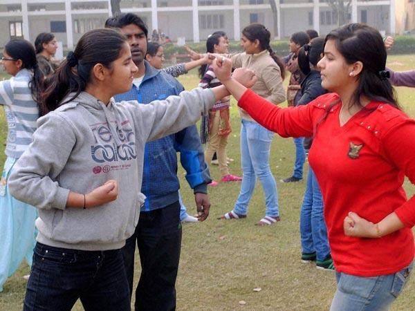 girls self-defence
