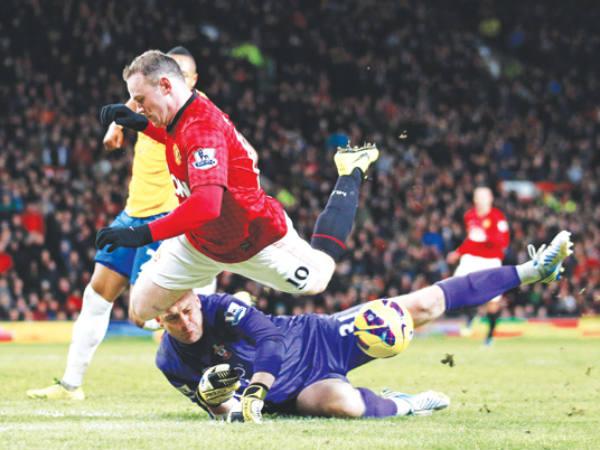 Man United ponder Rooney sale